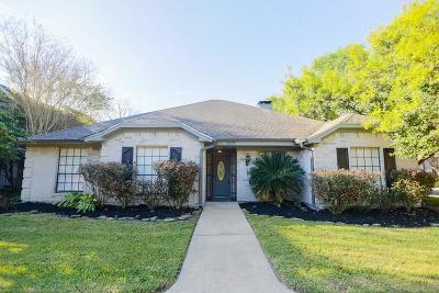 Missouri City Single Family Home For Sale: 3327 Hunterwood Drive