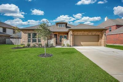 Baytown Single Family Home For Sale: 4823 Crescent Lake Circle