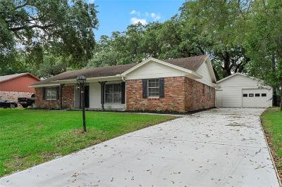 Dickinson Single Family Home For Sale: 4906 Live Oak Drive