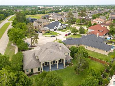 Friendswood Single Family Home For Sale: 3212 Tyler Court