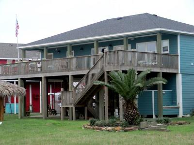 Crystal Beach Single Family Home For Sale: 2820 Gulfview Lane