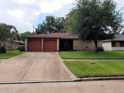 Seabrook Single Family Home For Sale: 1117 W Flamingo Drive