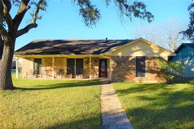 Baytown Single Family Home For Sale: 908 Sunnybrook Lane