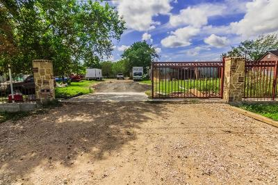 Fort Bend County Farm & Ranch For Sale: 15605 Ennis Road