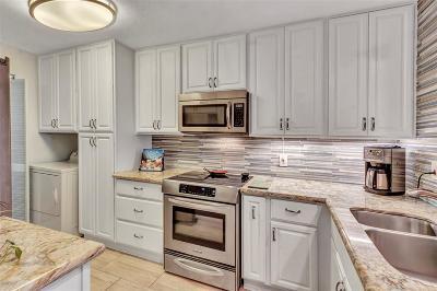 Galveston Mid/High-Rise For Sale: 7700 Seawall Boulevard #112