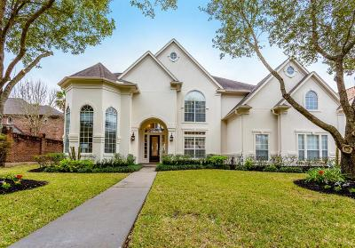 Sugar Land Single Family Home For Sale: 86 Pipers Walk