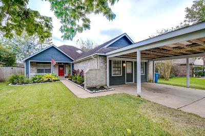 Dickinson Single Family Home For Sale: 3215 Edgewood Drive
