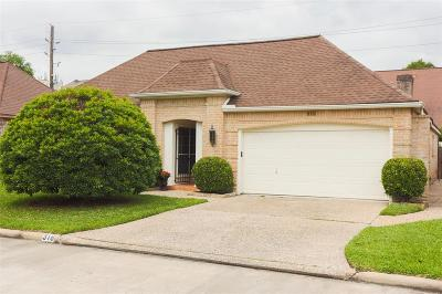 Single Family Home For Sale: 318 Champions Colony Iii