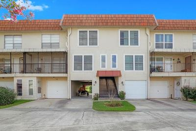 Conroe Condo/Townhouse For Sale: 64 Regency Point