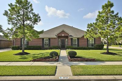 League City, League Single Family Home For Sale: 1711 Davison Court