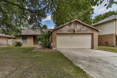 Spring Single Family Home For Sale: 3215 Pine Dust Lane