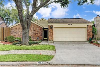 Houston Single Family Home For Sale: 16711 Bentfield Way
