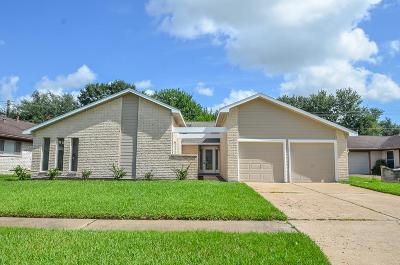 Houston Single Family Home For Sale: 9232 Vickijohn Drive