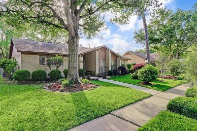 Houston Single Family Home For Sale: 3714 Montvale Drive