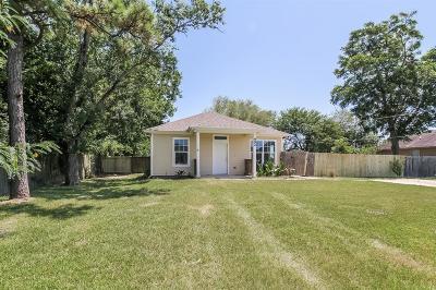 League City Single Family Home For Sale: 902 Virginia Avenue