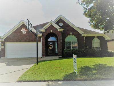 Webster Single Family Home For Sale: 321 Linda Lane