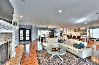Houston Single Family Home For Sale: 30 Shadow Lane