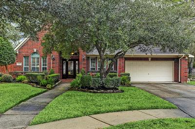 Friendswood Single Family Home For Sale: 803 Woodcrest Drive