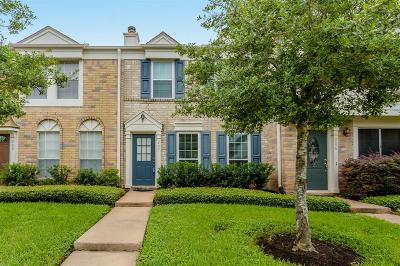 Sugar Land Condo/Townhouse For Sale: 2808 Grants Lake Blvd Boulevard #207
