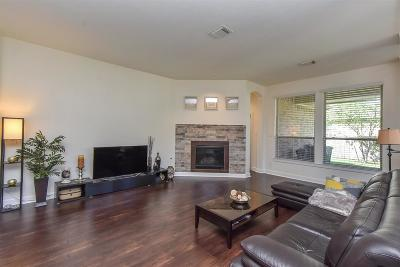 Spring Single Family Home For Sale: 11 Knotwood Court