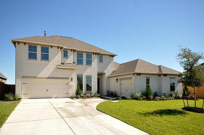 League City TX Single Family Home For Sale: $472,304