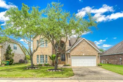 Pearland Single Family Home For Sale: 514 N Elder Grove Drive