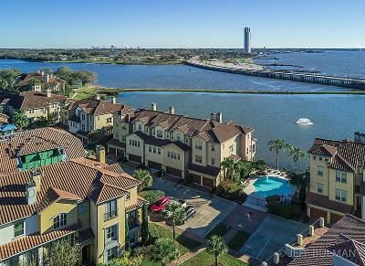 Pasadena Condo/Townhouse For Sale: 17 Armand Shore Drive