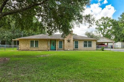 Porter Single Family Home Option Pending: 20378 S Hillcrest Drive