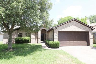 Alvin Single Family Home For Sale: 3206 Deer Trail Drive