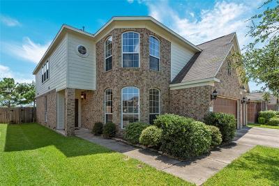 Baytown Single Family Home For Sale: 5910 Caraway Lake Drive