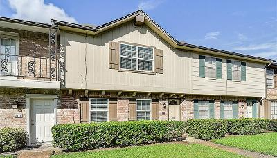Friendswood Condo/Townhouse For Sale: 4028 Laura Leigh Drive