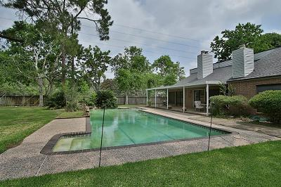 Sugar Land Single Family Home For Sale: 5410 Meadow Road