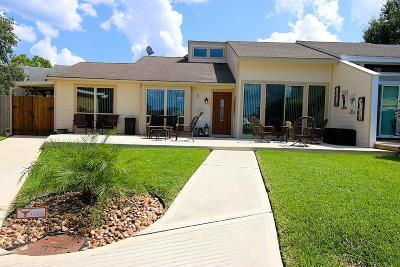 Conroe Condo/Townhouse For Sale: 5 April Point