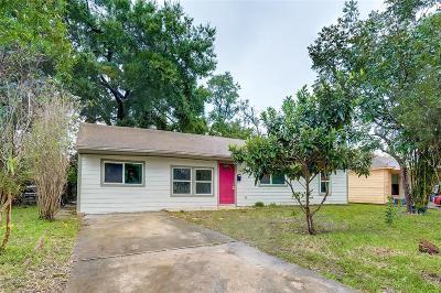 Pasadena Single Family Home For Sale: 115 Alastair Drive