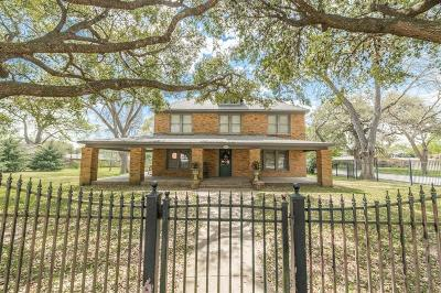 Single Family Home For Sale: 437 Harbert Street