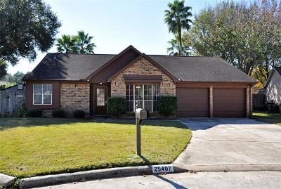 Spring Single Family Home For Sale: 25407 Bellchase Circle