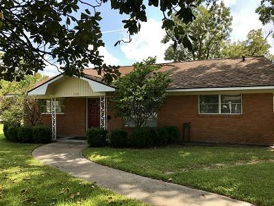 Humble Single Family Home For Sale: 602 1st Street