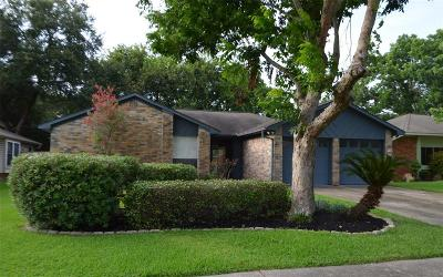 Webster Single Family Home For Sale: 367 Capehill Drive