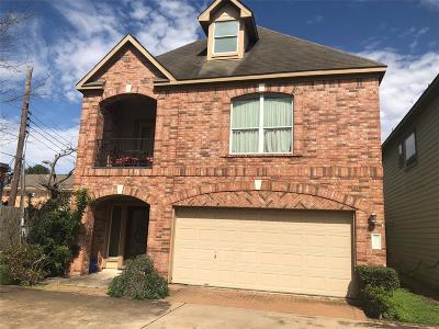 Houston Single Family Home For Sale: 9714 S Kapri Lane S
