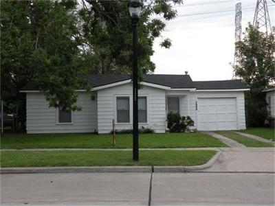 Houston Single Family Home For Sale: 5600 Community Drive