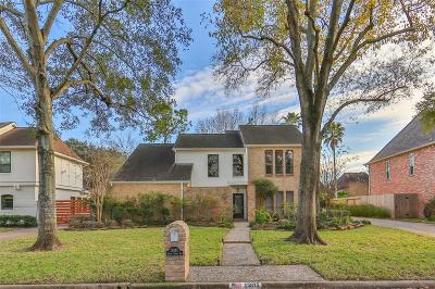 Single Family Home For Sale: 15815 River Roads Drive