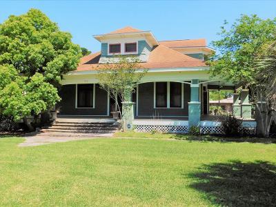 Palacios Single Family Home For Sale: 210 Morton Avenue