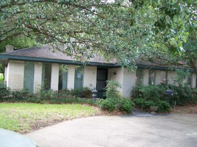 Montgomery Single Family Home For Sale: 31 Quiet Wind Drive