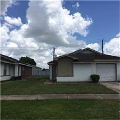 Houston TX Single Family Home For Sale: $106,000
