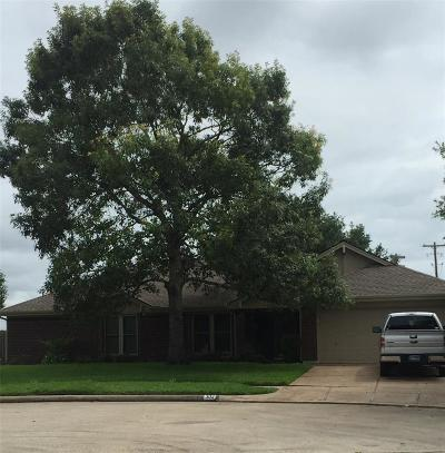 League City Single Family Home For Sale: 302 Desert Willow Court