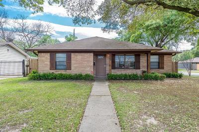 Galveston County, Harris County Single Family Home For Sale: 5221 De Lange Lane