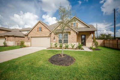 Richmond Single Family Home For Sale: 2902 Golden Honey Lane