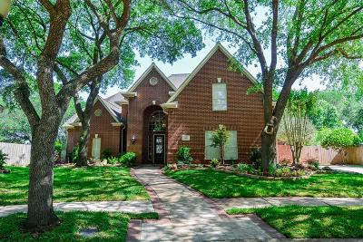 Sugar Land Single Family Home For Sale: 30 Martins Way