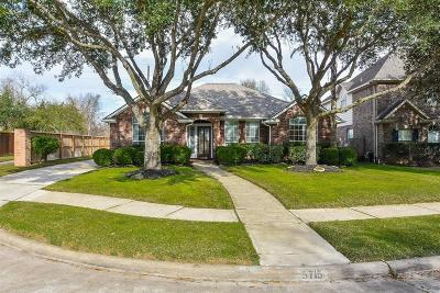 Sugar Land Single Family Home For Sale: 5715 Pioneer Ridge Court
