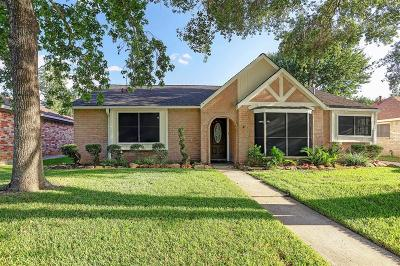 Single Family Home For Sale: 15611 Lone Tree Drive